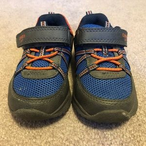 Boys Shoes - Carter's Size 7